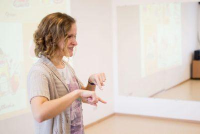 Анна Попелло: «Лучшие учителя жестового языка – это сами глухие люди». 16
